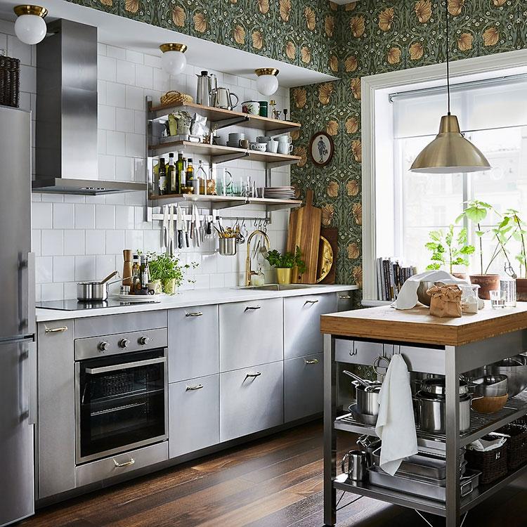 Modello di cucina con isola Ikea n.12
