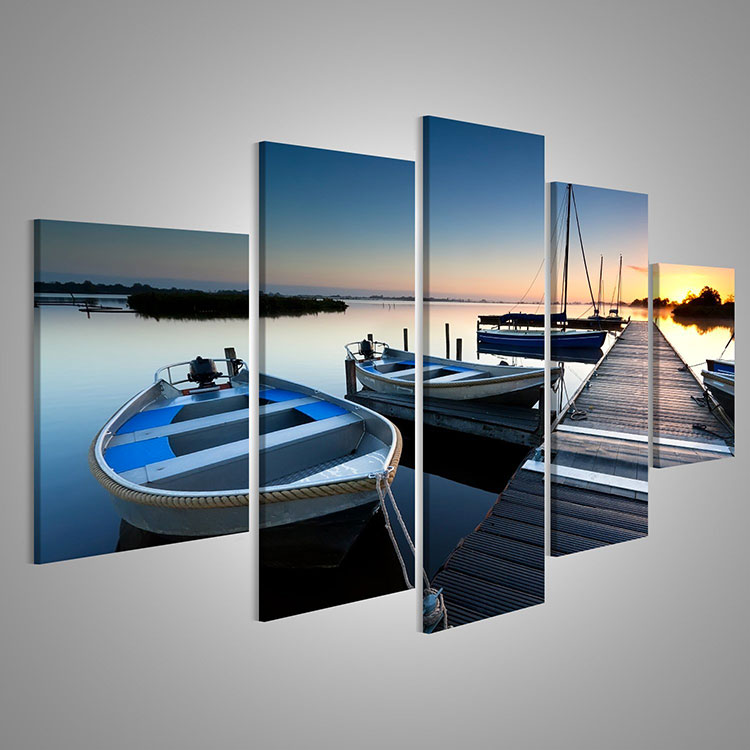 Modello di quadra per casa mare con barche n.06