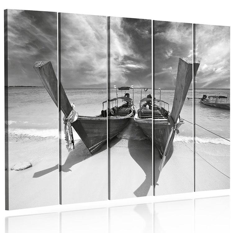 Modello di quadra per casa mare con barche n.07