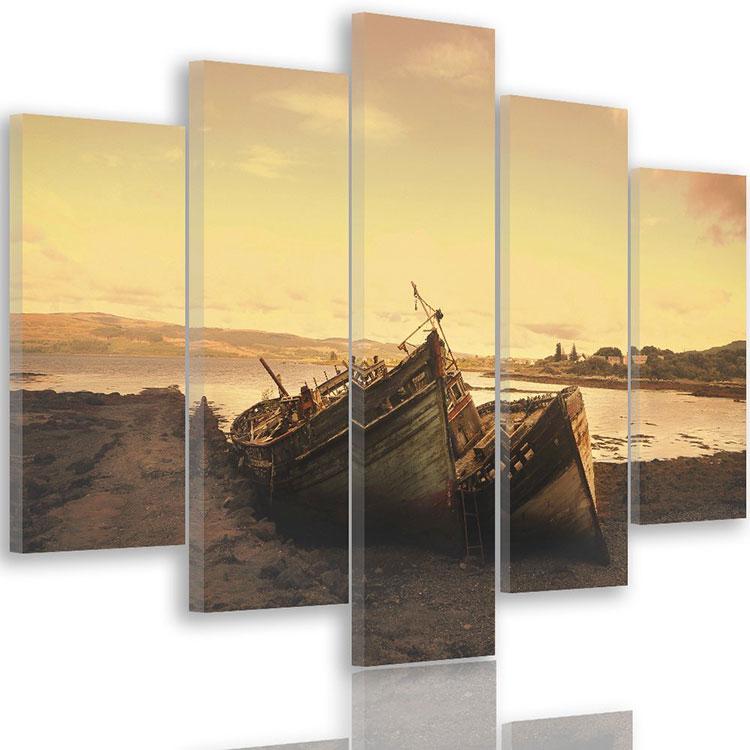 Modello di quadra per casa mare con barche n.09