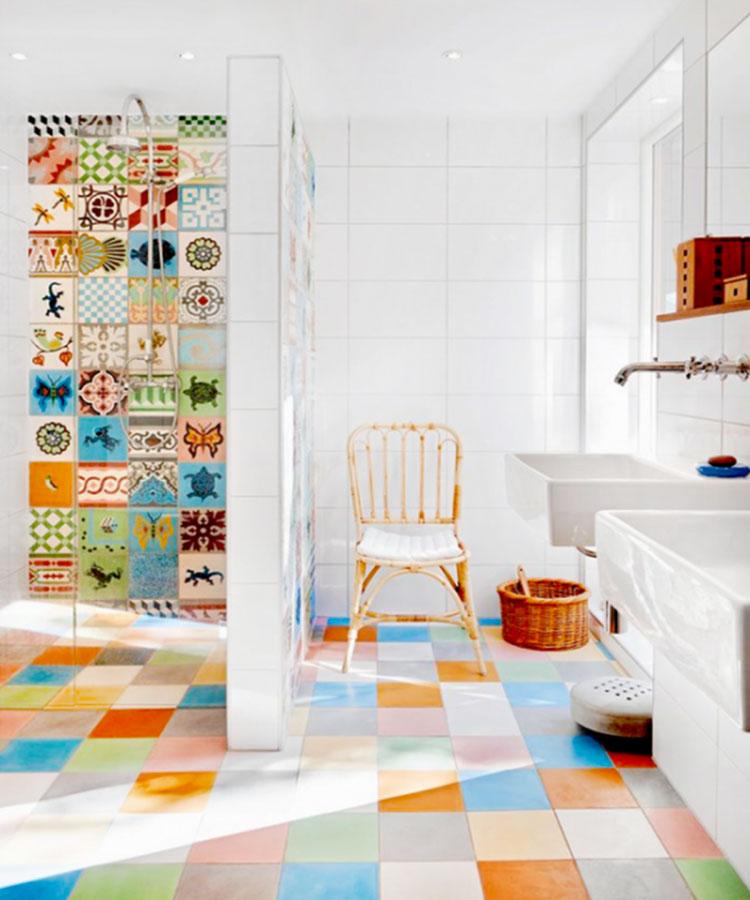 Abbinamenti multicolore per le pareti del bagno n.02
