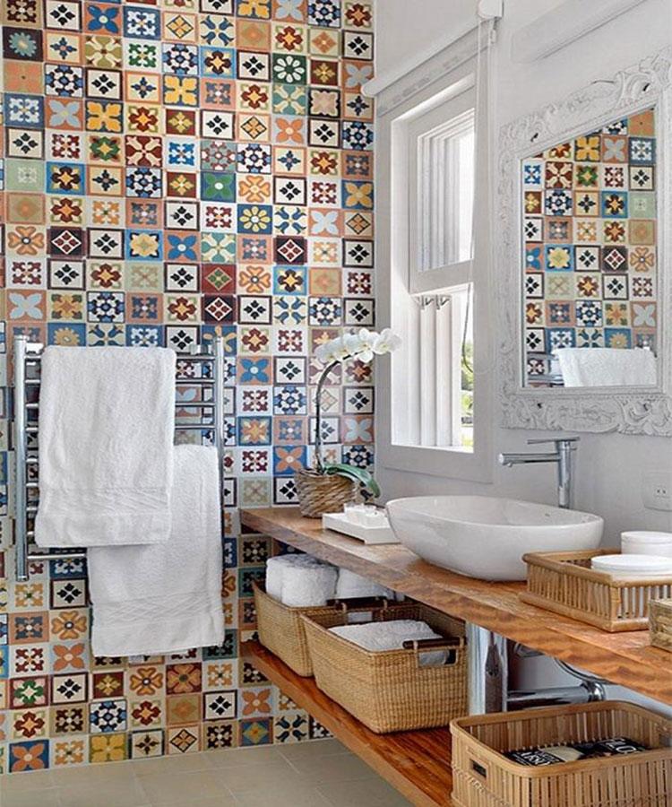 Abbinamenti multicolore per le pareti del bagno n.03