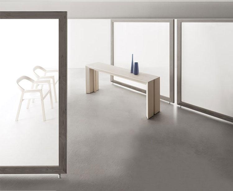 Tavolo consolle allungabile di design di Bauline modello Minuetto chiuso