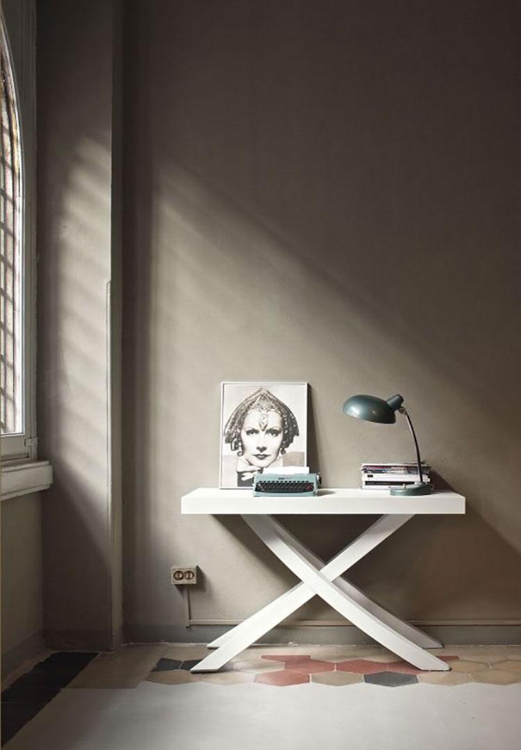 Tavolo consolle allungabile di design di Bontempi modello Artistico chiuso