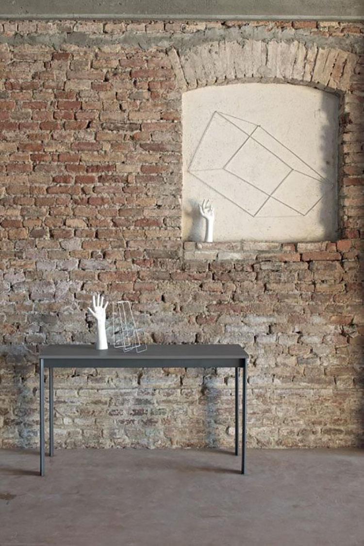 Tavolo consolle allungabile di design di Bontempi modello Etico Plus chiuso
