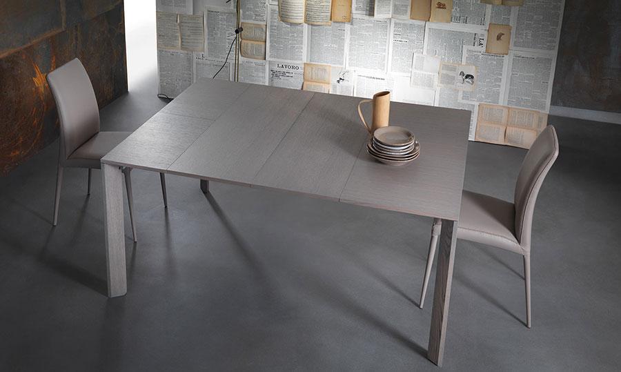 Tavolo consolle allungabile di design di Riflessi modello City aperto