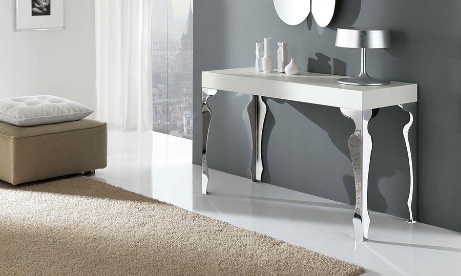 Tavolo consolle allungabile di design di Riflessi modello Luxury chiuso