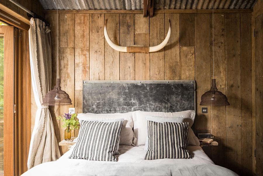 Idee di arredamento per una camera da letto rustica n.06