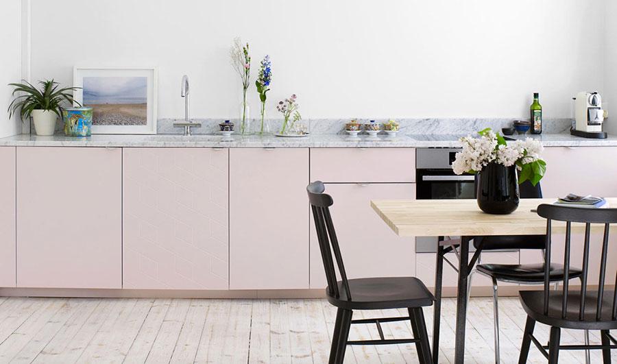 Modello di cucina rosa n.06