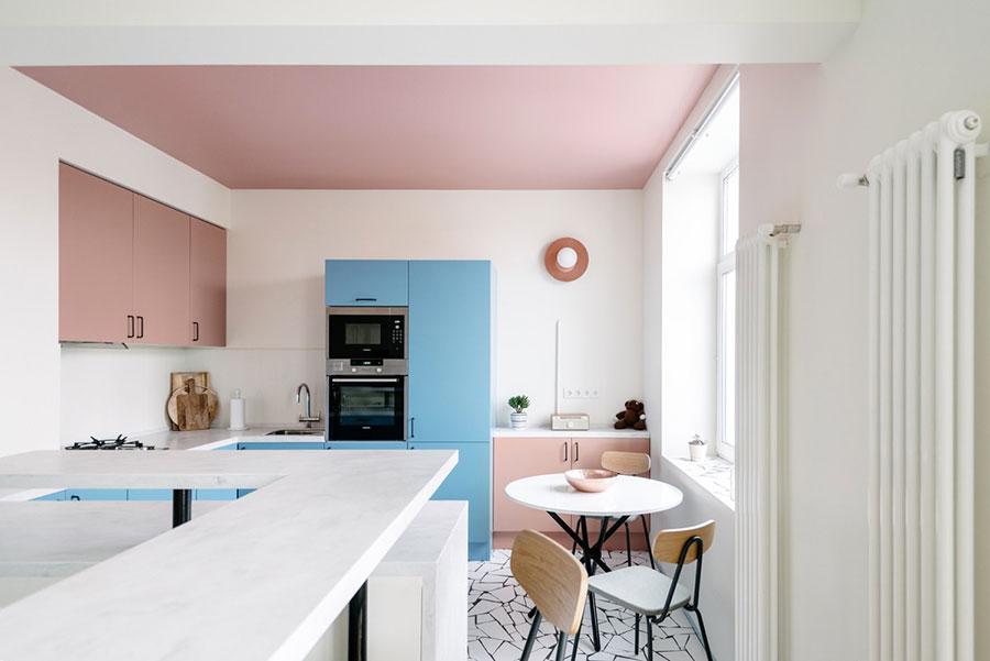 Modello di cucina rosa n.07