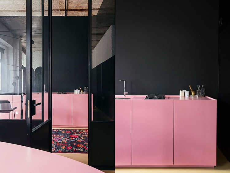 Modello di cucina rosa n.13