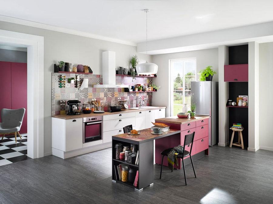 Modello di cucina rosa n.19