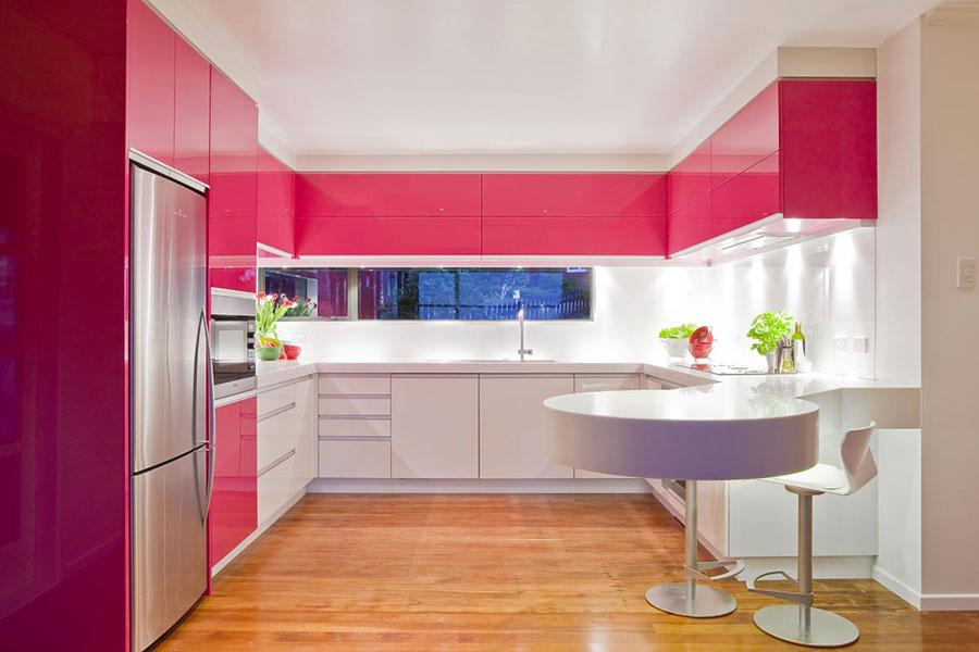 Modello di cucina rosa n.23