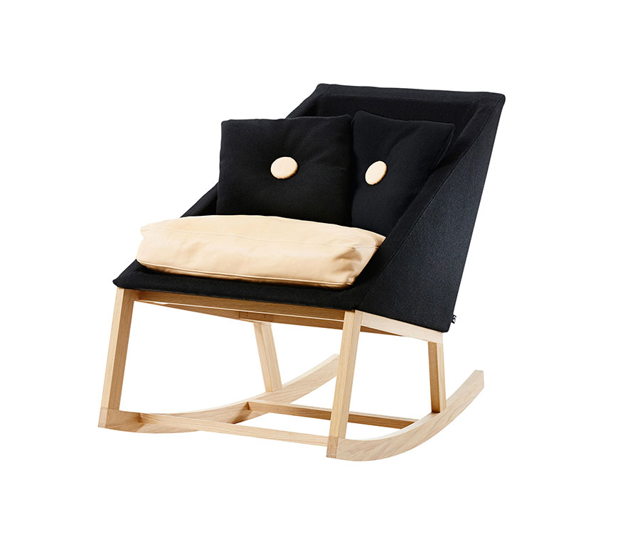 Sedia a dondolo di design modello Joy Rocking Chair di A2 Designers AB