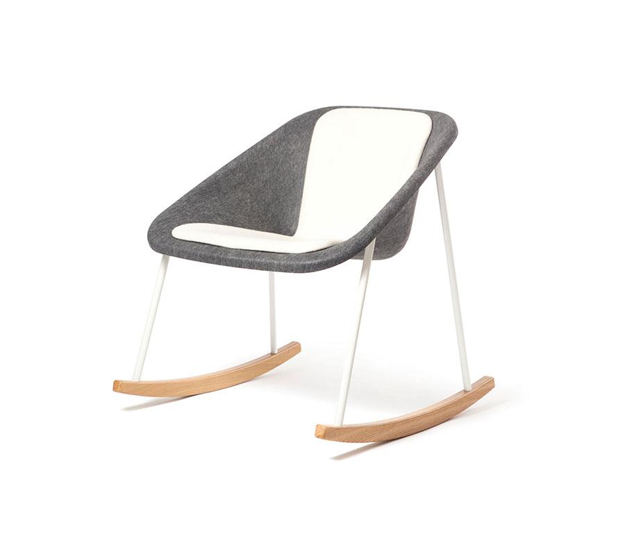 Sedia a dondolo di design modello Kola Rocking Upholstered di Inno