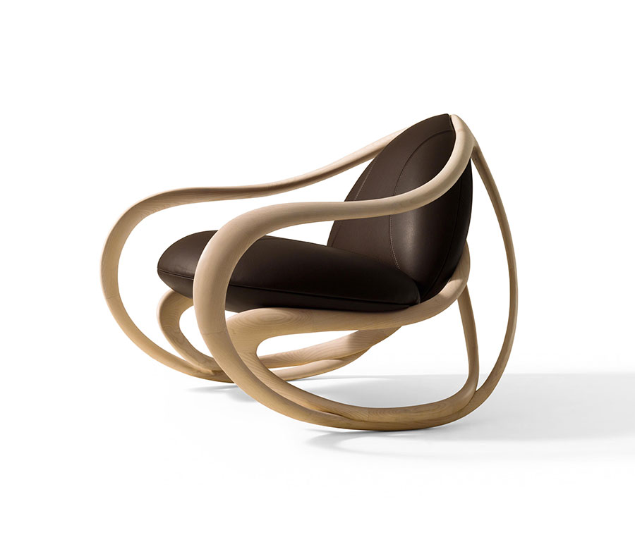 Sedia a dondolo di design modello Move di Giorgetti