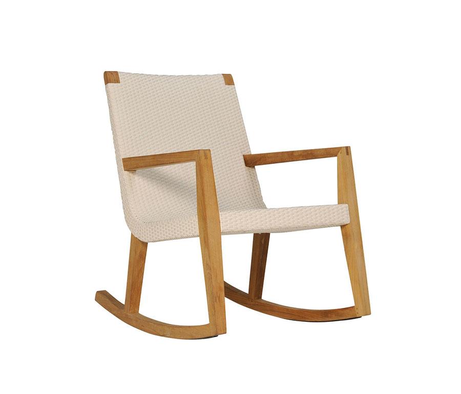 Sedia a dondolo di design modello Quinta Teak di Janus et Cie
