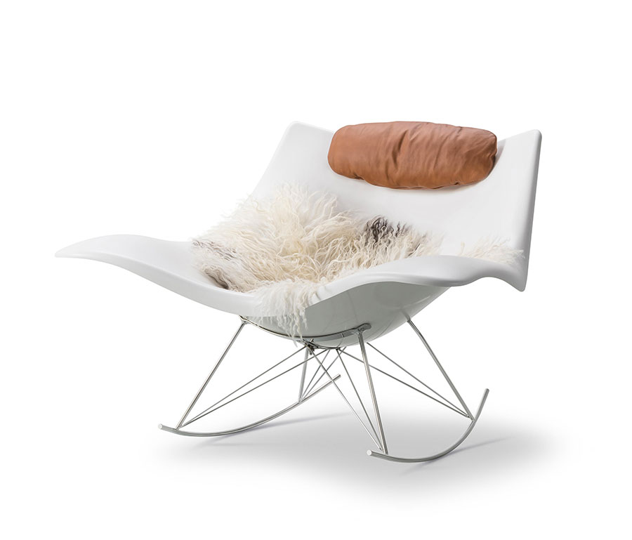 Sedia a dondolo di design modello Stingray Rocking Chair di Fredericia Furniture