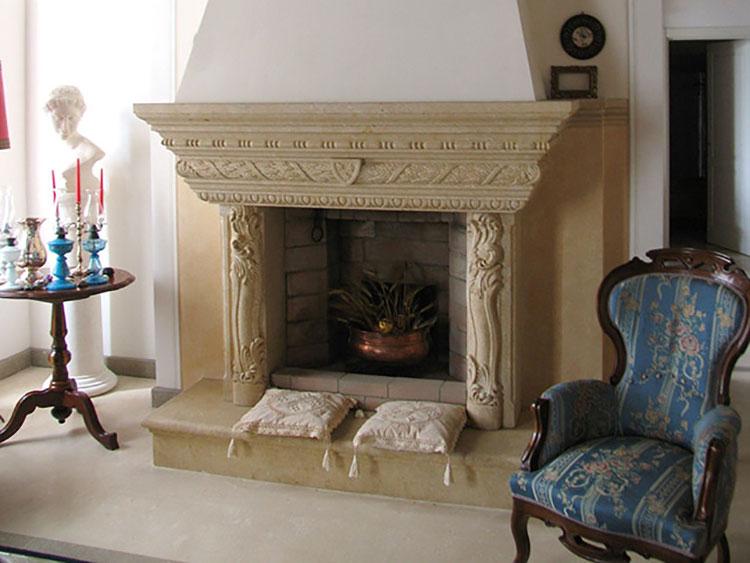 Modello di camino in pietra classico n.03