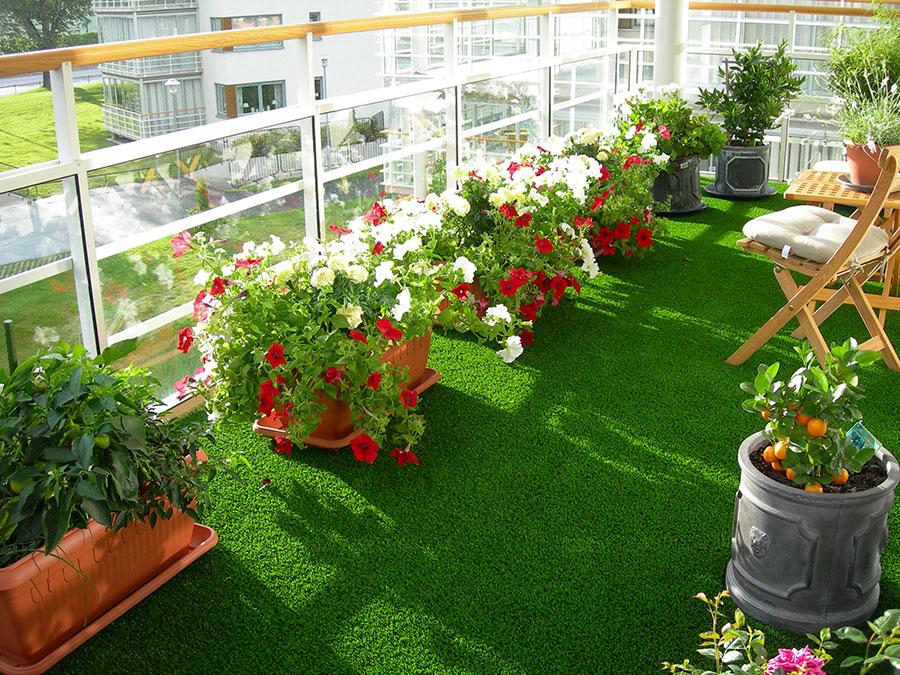 Idee per abbellire un terrazzo con piante e fiori n.4