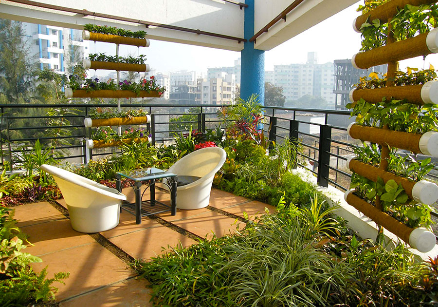 Idee per abbellire un terrazzo con piante e fiori n.5