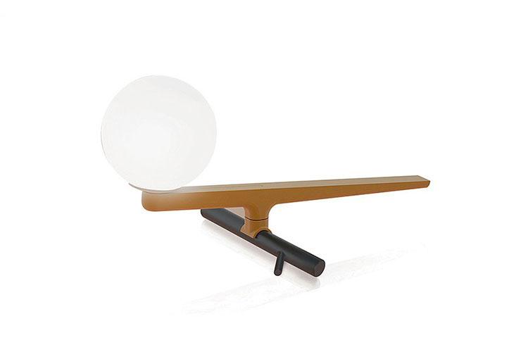 Modello di lampada da comodino di Design di Artemide n.02