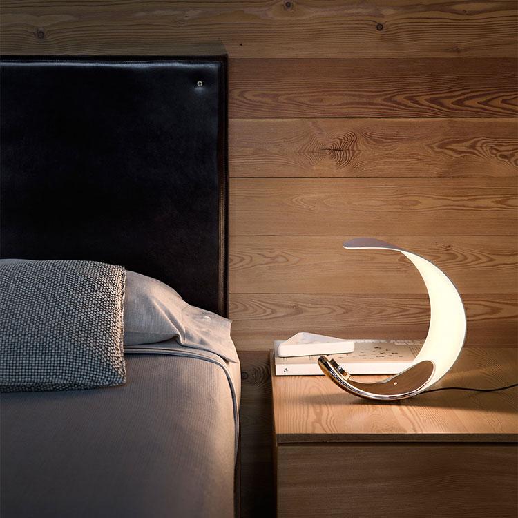 Modello di lampada da comodino di Design di Luceplan