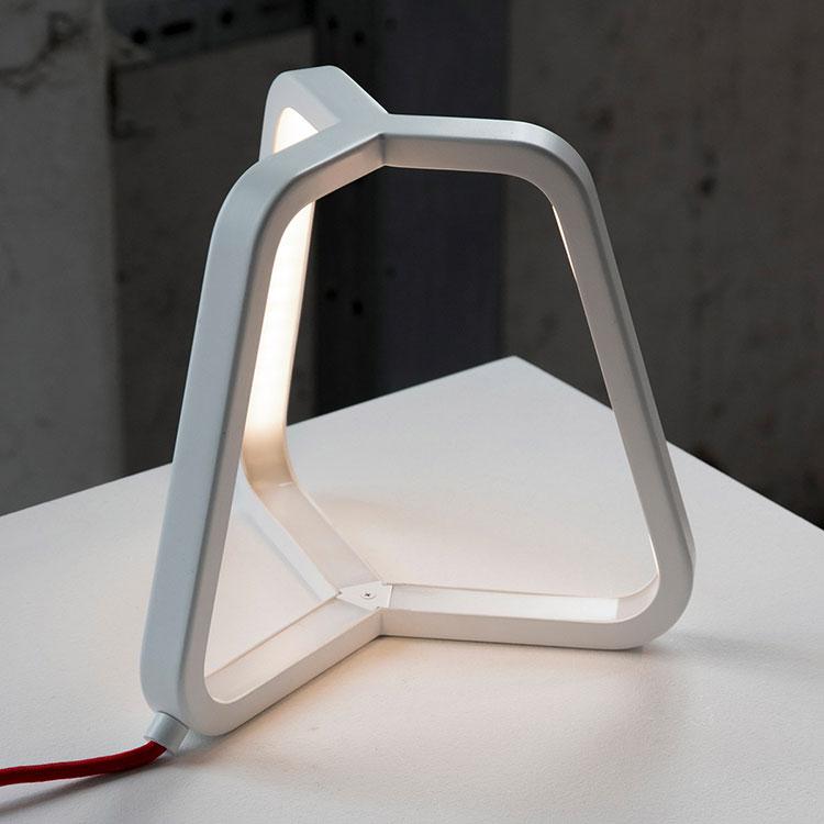 Modello di lampada da comodino di Design di Martinelli Luce 02