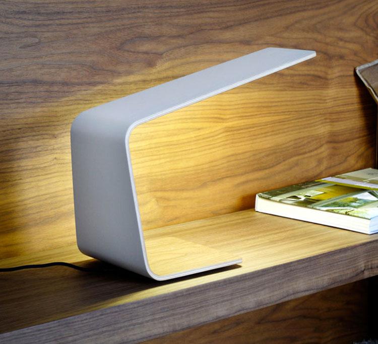 Modello di lampada da comodino di Design di Tunto 01