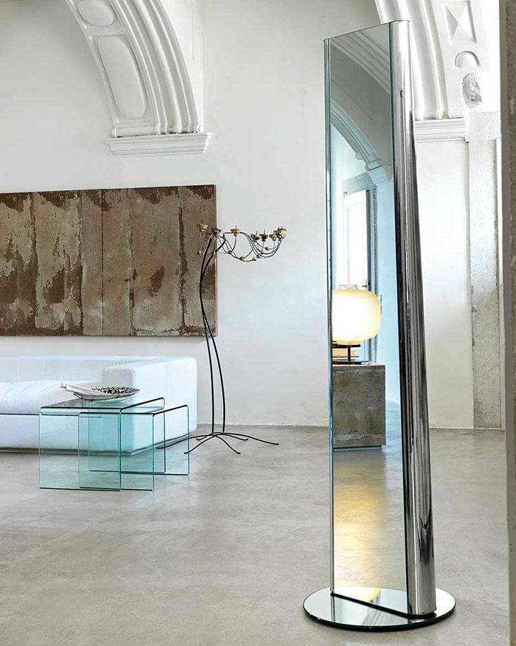 Specchi per camera da letto ecco 30 modelli di design for Specchio girevole da terra