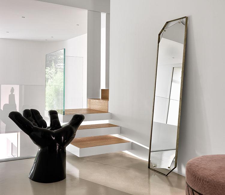 Modello di specchio per camera da letto di design n.17