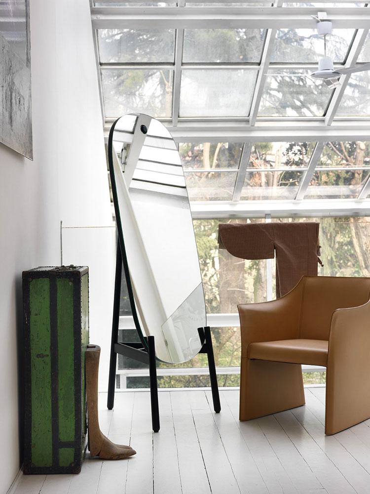 Modello di specchio per camera da letto di design n.24