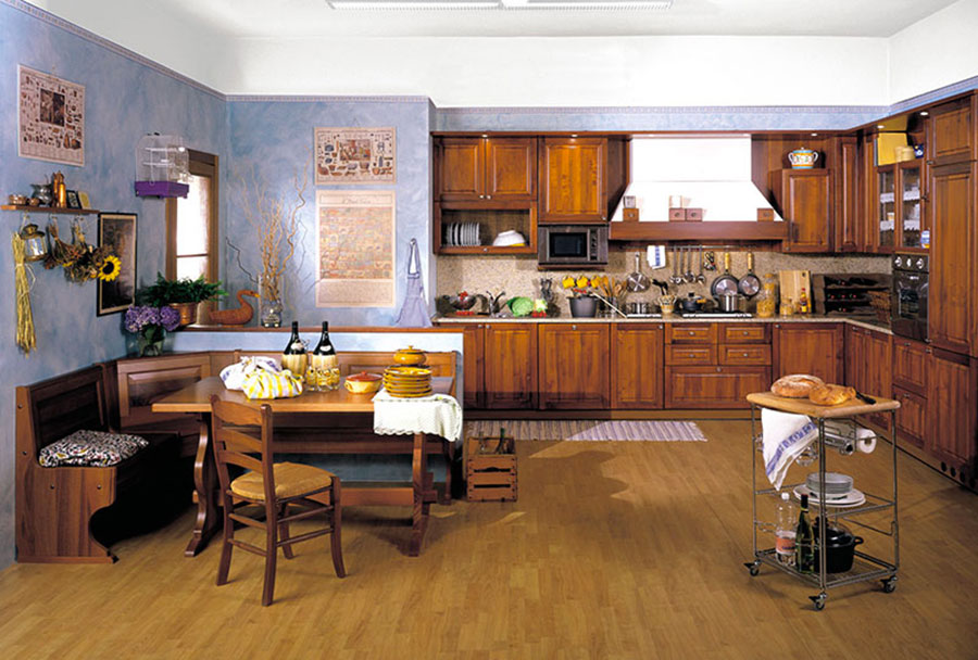Colore azzurro per pareti di cucine classiche n.02