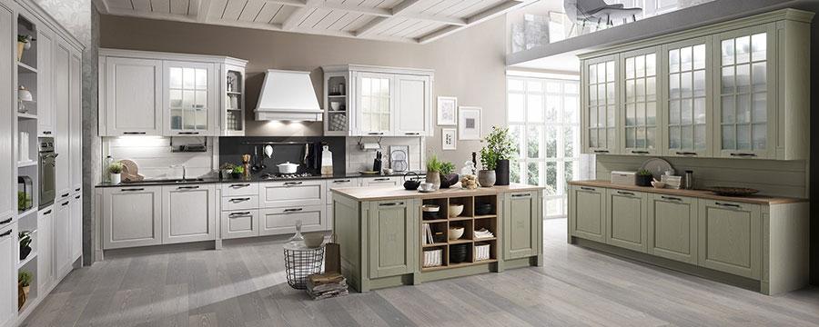 Colore beige per pareti di cucine classiche n.04