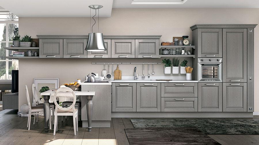 Colore grigio per pareti di cucine classiche n.03