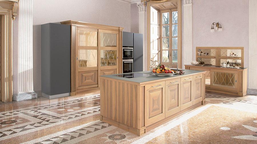 Colore grigio per pareti di cucine classiche n.04