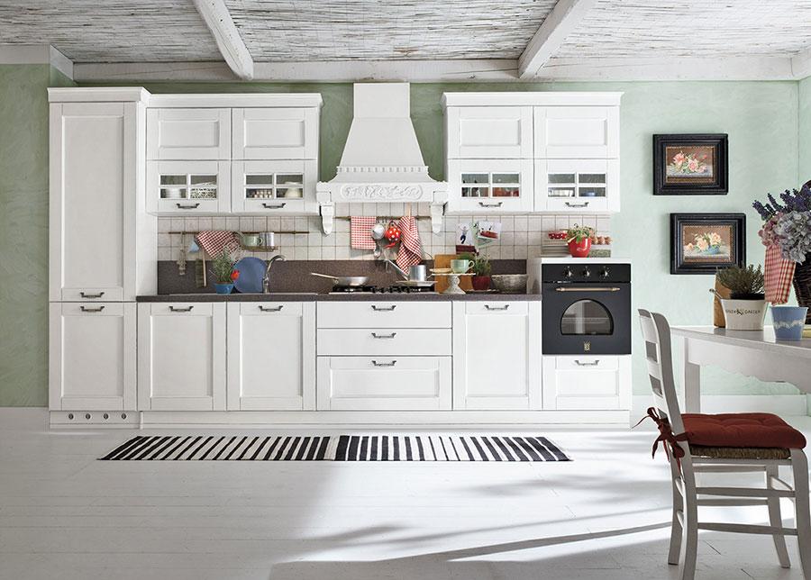 Colore verde per pareti di cucine classiche n.03