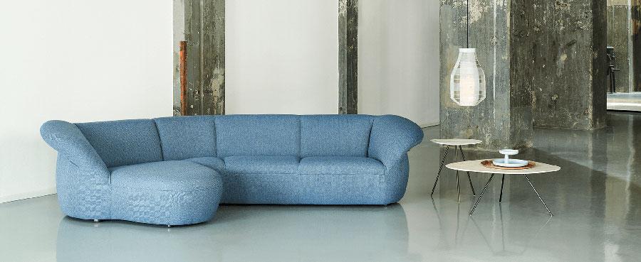 Modello di divano blu in tessuto n.06