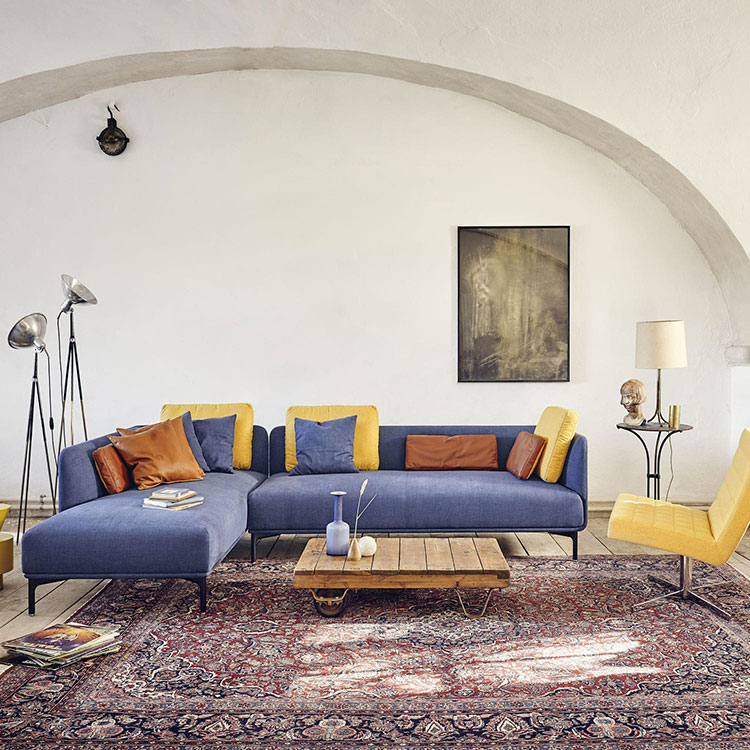 Modello di divano blu in tessuto n.10