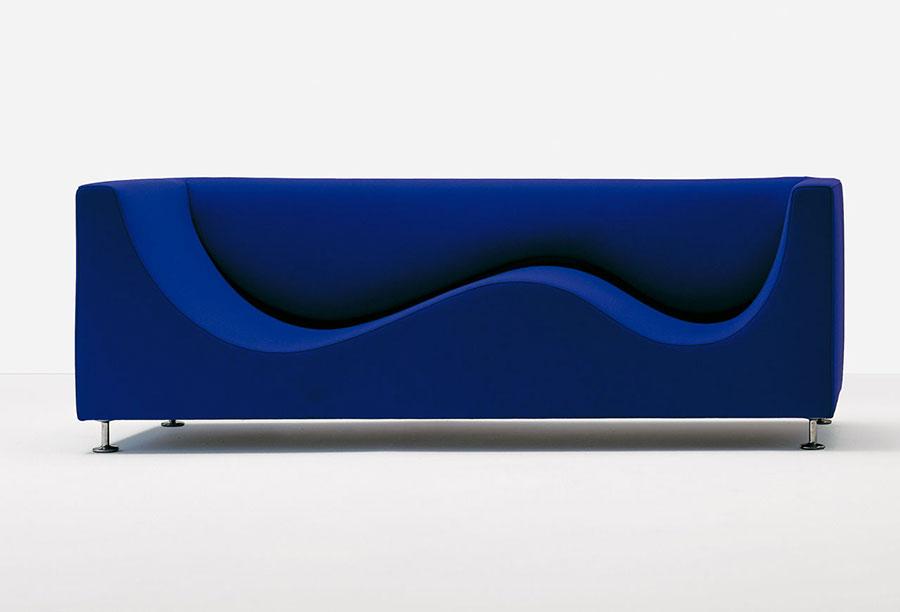 Modello di divano blu in tessuto n.13
