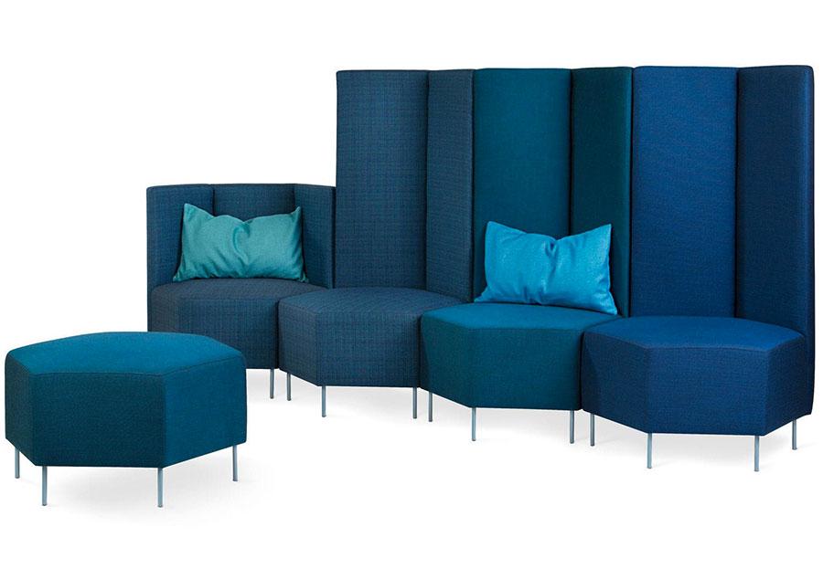 Modello di divano blu in tessuto n.14