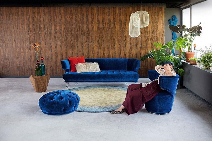 Modello di divano blu in velluto n.07