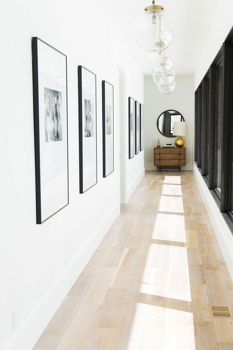 Idee per arredare un corridoio moderno n.12