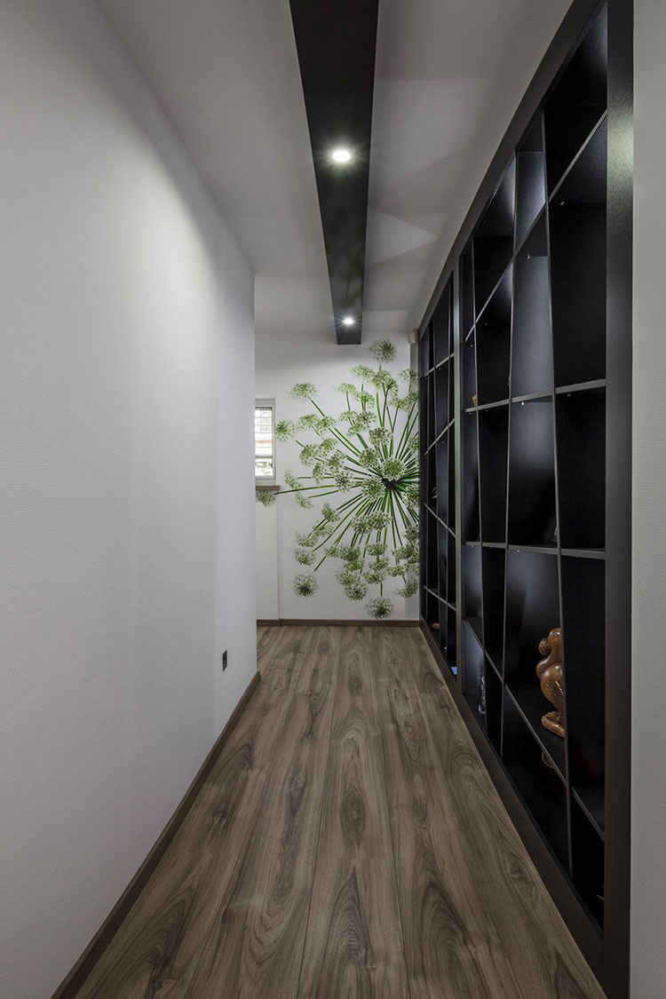 Idee per arredare un corridoio moderno n.16