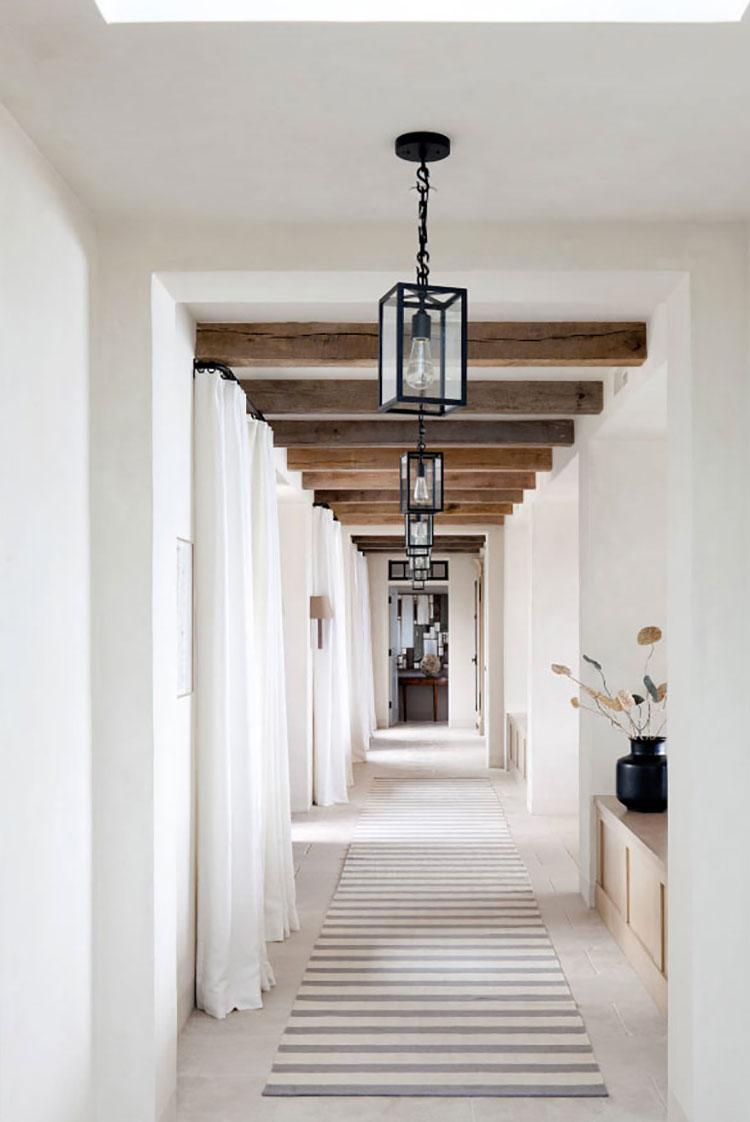 Idee per arredare un corridoio moderno n.21