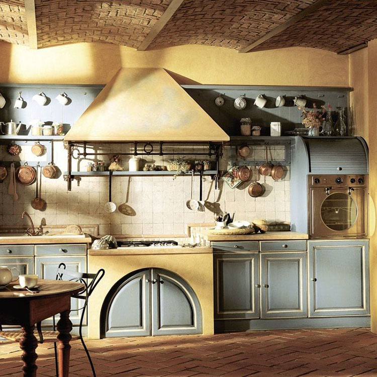 Idee di arredamento per una cucina rustica n.15