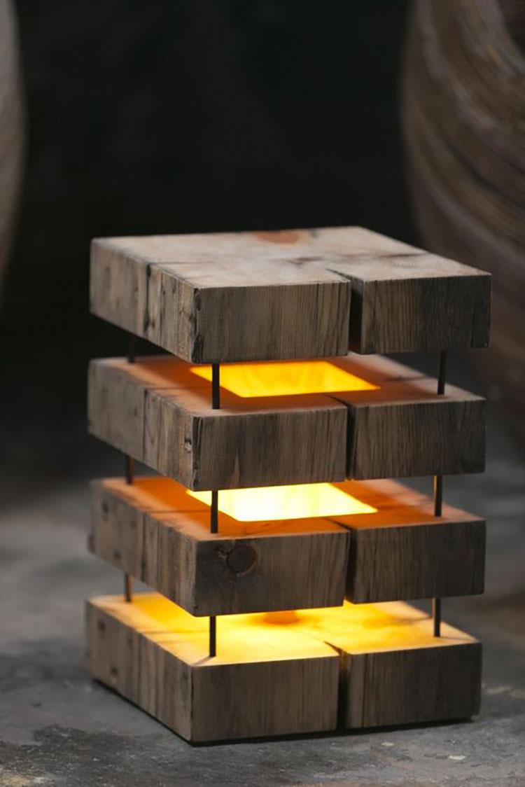 Modello di lampada da tavolo in legno fai da te n.04
