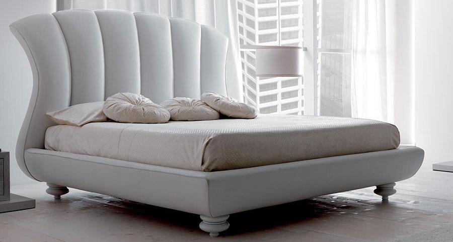 Camera da letto di lusso classica di CorteZari 07