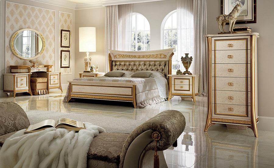 Camera da letto di lusso classica di Arredoclassic 02