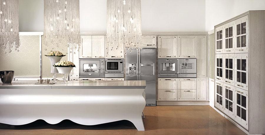 Modello di cucina classica con isola centrale di Brummel n.02